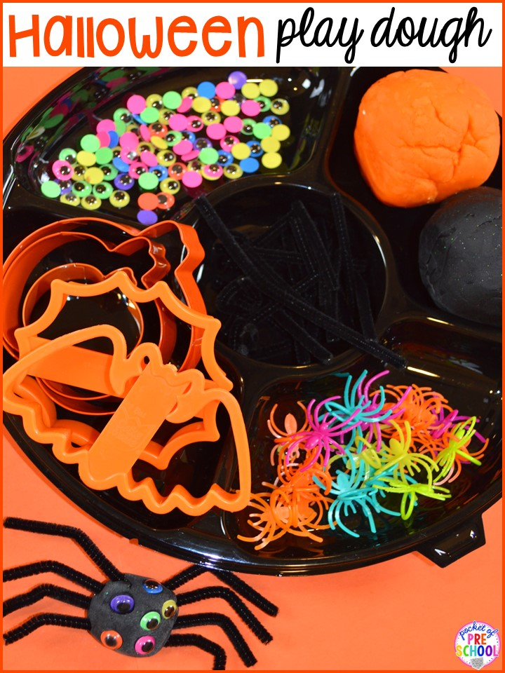Halloween play dough tray! Plus my favorite Halloween activities and centers for preschool, pre-k, and kindergarten (art, math, writing, letters, blocks, STEM, sensory, fine motor). FREE printables... a mummy printable and witches brew counting recipe cards!