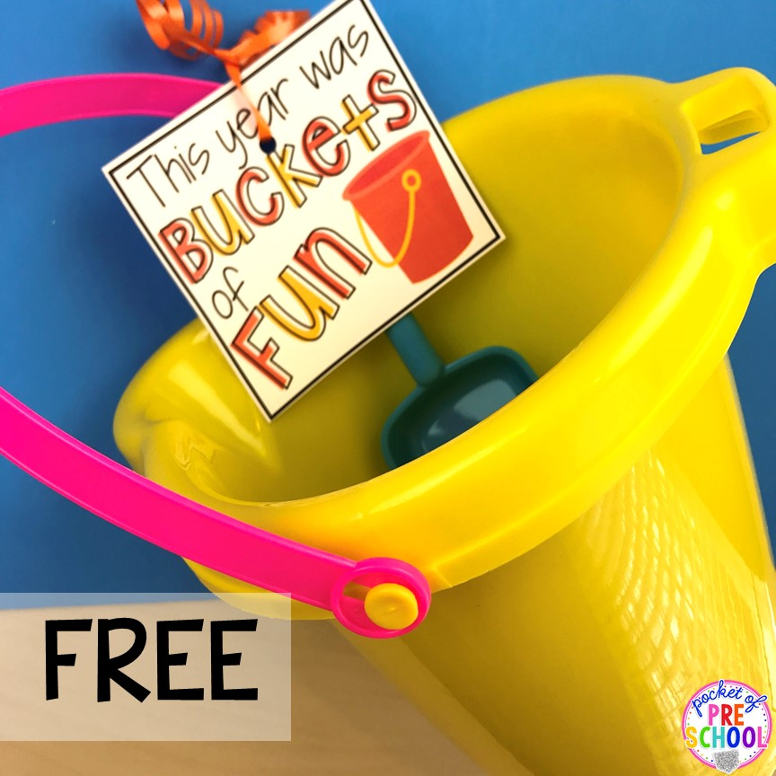 Bucket free gift tag. End of the year student gift tags (free printables) using cheap items from the dollar store and Target Dollar Spot. Pocket of Preschool #preschool #prek #kindergarten #endoftheyear #endoftheyeargift #freeprintbale