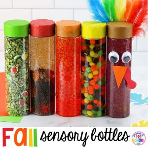 Fall sensory bottles for preschool, pr-k, and toddlers! Easy to make sensory bottles for an apple, fall, leaf, pumpkin, or turkey theme. #sensorybottles #sensoryplay #falltheme #preschool #prek #toddler