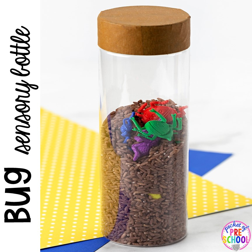 Bug sensory bottle! Plus Spring sensory bottles ideas perfect with a spring theme for your toddler, preschool, or pre-k classroom. #preschool #prek #toddler #springtheme #sensorybottles