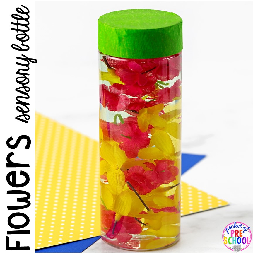 Flower sensory bottle! Spring sensory bottles ideas perfect with a spring theme for your toddler, preschool, or pre-k classroom. #preschool #prek #toddler #springtheme #sensorybottles