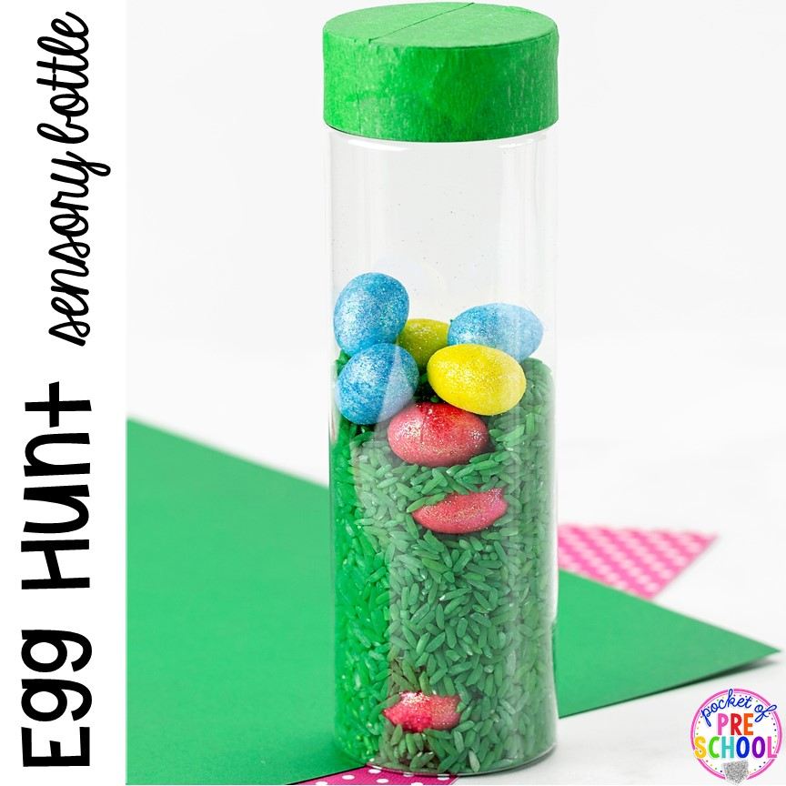 Easter egg hunt sensory bottle! Plus Easter sensory bottles for an Easter theme (bunny, carrot, and egg hunt)! #preschool #toddler #prek #sensorybottles #eastertheme
