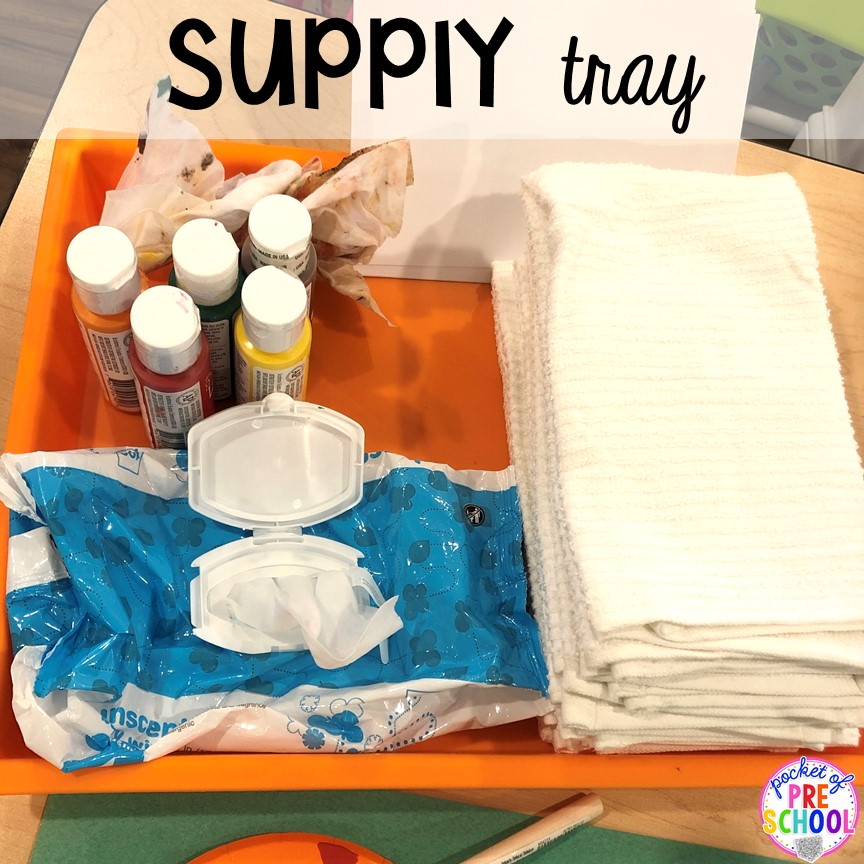 Supply tray to stay organized! Tips to make turkey handprint towels for Thanksgiving parent gifts and kid-made Thanksgiving cards for the holidays. Perfect for preschool, pre-k, and kindergarten.