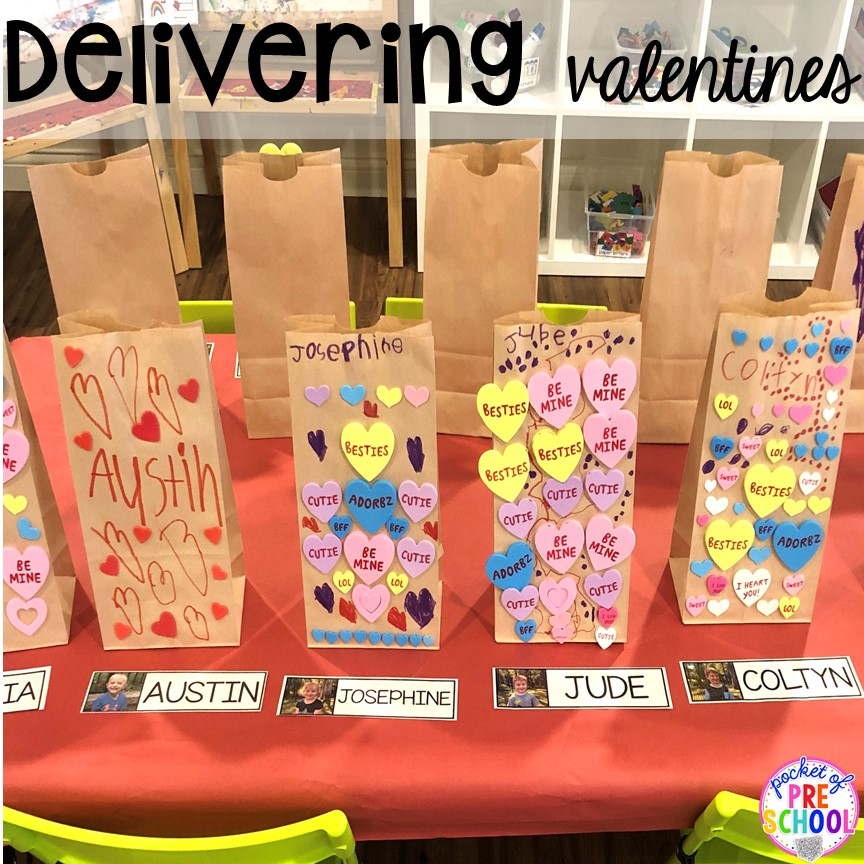 DIY Valentine's Day bags for preschool! Valentine's Day party ideas and hacks - freebie plus quick, easy, and dollar store finds! for preschool, pre-k, or lower elementary. #valentinesdayparty #preschool #prek #kindergarten #schoolparty