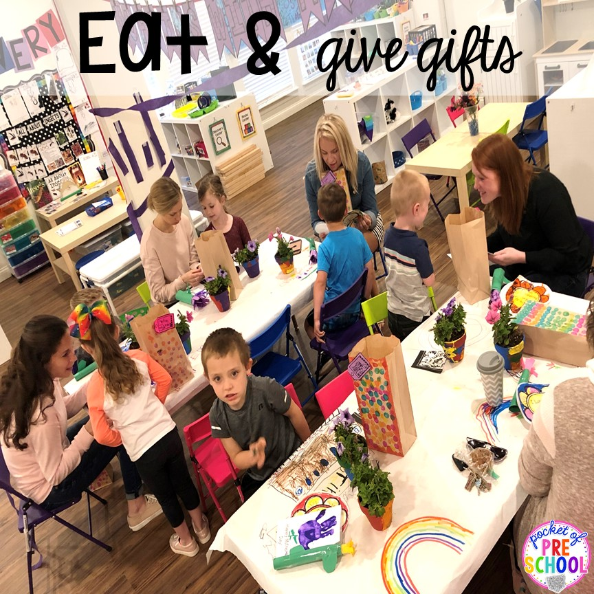 Muffins with Mom or Muffins in the Morning classroom event! Ideas, photos, and food so much fun. #preschool #prek #muffinswithmom #classroomevent