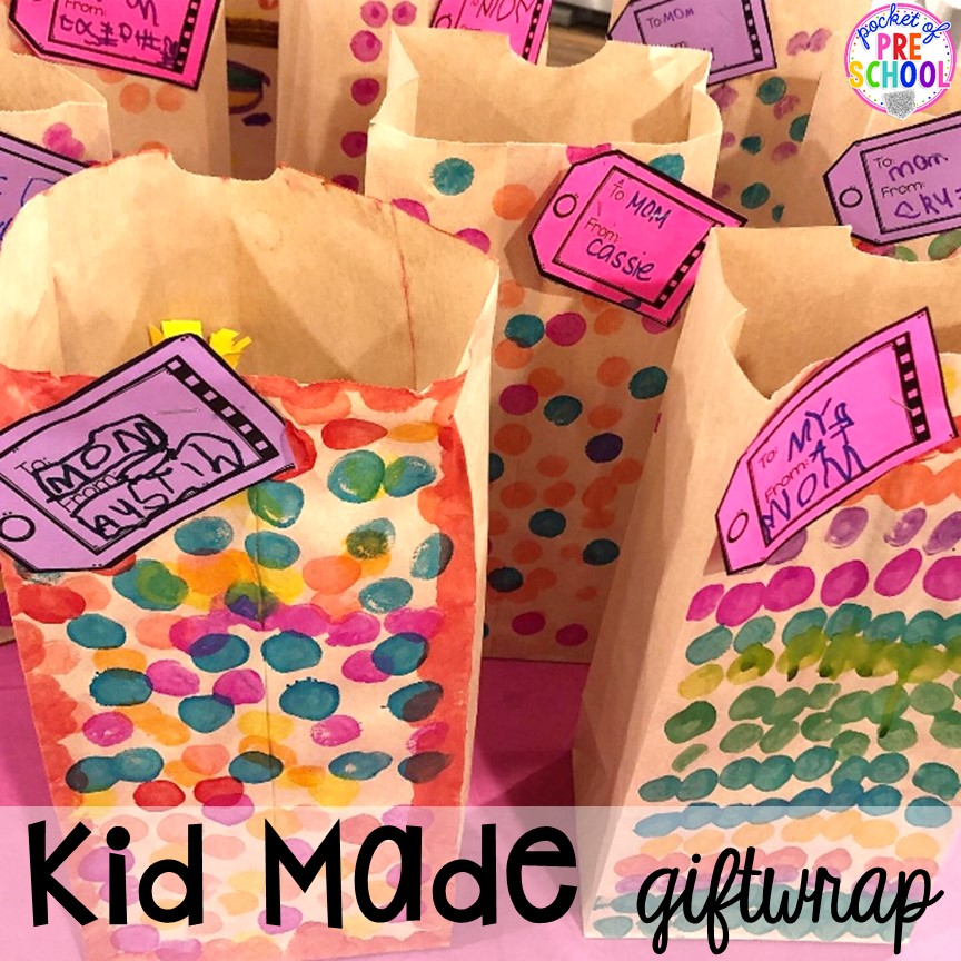 Kif made giftwrap! Muffins with Mom or Muffins in the Morning classroom event! Ideas, photos, and food so much fun. #preschool #prek #muffinswithmom #classroomevent
